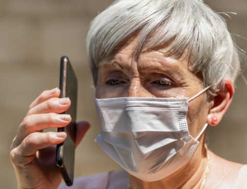 L'Ajuntament de Barcelona trucarà a 70.000 persones grans per saber com es troben