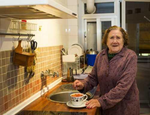 Los españoles viven cada vez más solos