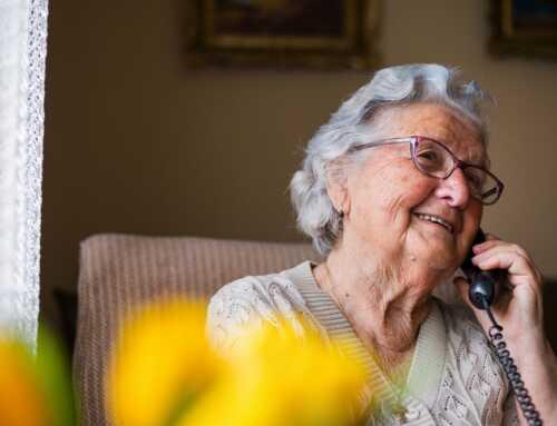 La teleassistència, solució per a no sentir-se soles per al 72% de les persones grans