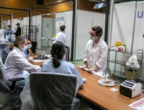 Barcelona enforteix els seus programes socials enfront del coronavirus