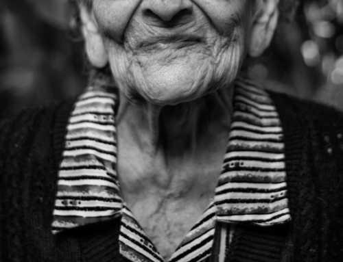 El número de personas centenarias en Cataluña prácticamente se duplica en diez años