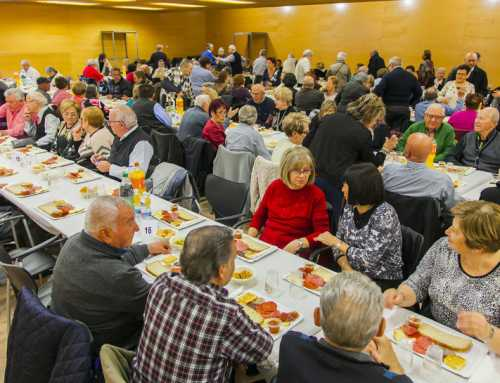 Salou celebra el tradicional homenaje a la gente mayor