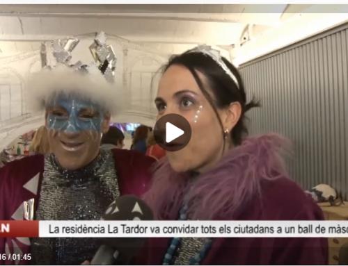 La residència La Tardor ha convidat els ciutadans a sumar-se al ball de màscares que ha celebrat a Les noves instal•lacions
