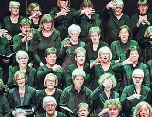 Canta Gran porta a escena 300 cantaires de corals de gent gran