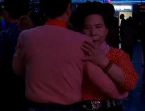 La discoteca per a majors de 65 anys que fa que les persones grans s'oblidin de la seva medicina