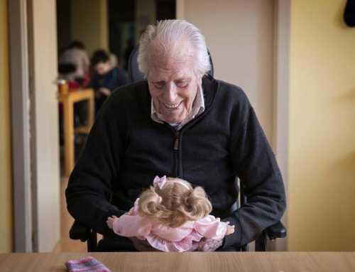 Un muñeco contra el alzhéimer