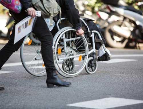 La Generalitat aprova una millora «de mínims» en serveis de la dependència